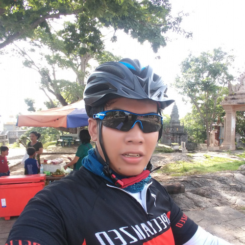 attractive, single, male, Chrang Khpos, Cambodia